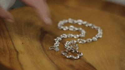 Zipper Pull: The Necklace That Zips You Up