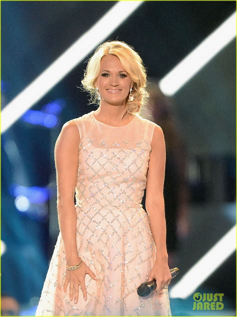 Carrie Underwood - CMT Music Awards Performance (Video