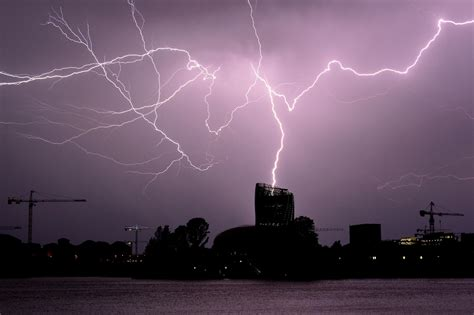 At least 15 injured in lightning strikes at music festival