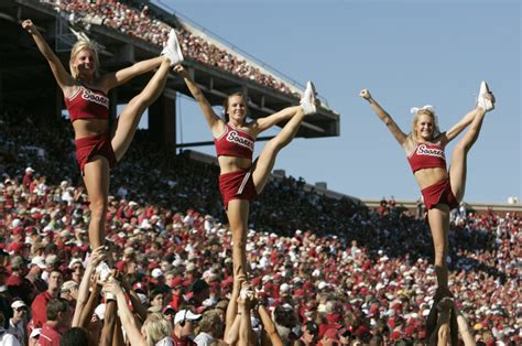 Vegas Releases Initial Prediction For This Year's Texas-OU