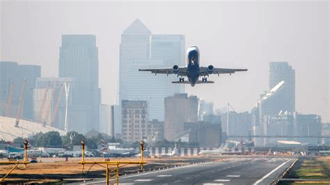 UK airports see passenger numbers soar to new summer